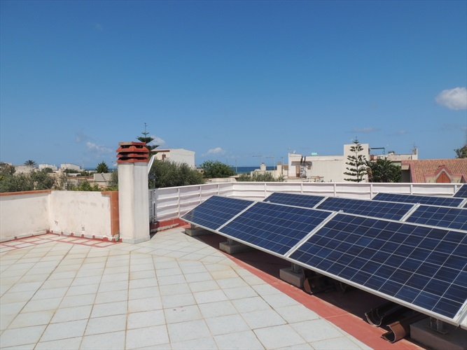 Pannelli solari in terrazzo